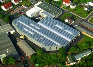 Gewerbebetrieb mit Photovoltaikanlage. Foto: Solartechnik Stiens
