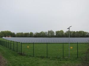 Freiflächenanlagen sollen künftig versteigert werden. Wie das ablaufen soll, will die Regierung bis Jahresende per Gesetz definieren. Foto: J. Haar