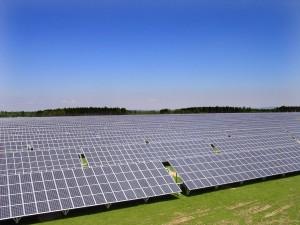 Die Sonnenstrahlung in Deutschland ist heute stärker als im langjährigen Mittel. Solaranlagen erzeugen damit mehr Strom als prognostiziert. Foto: Fraunhofer ISE