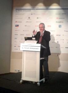 Klaus Töpfer sprach zum Forum Solarpraxis in Berlin. Foto: Rutschmann
