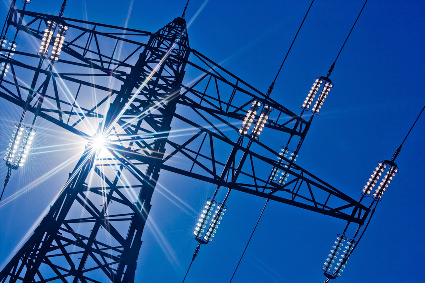 Solarenergie kann das Stromnetz stabilisieren - wenn die Energie in Batteriespeichern gesammelt wird. Viele kleine Speicher müssen dann aber miteinander vernetzt werden, um am Regelleistungsmarkt teilnzunehmen. Entsprechende Geschäftsmodelle entstehen gerade. Foto: Gina Sanders/Fotolia